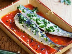 Sardines amb tomàquet